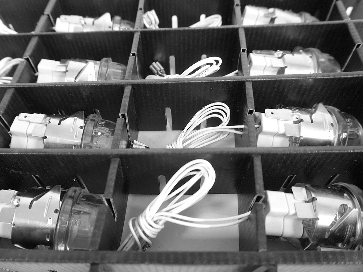 Transportverpackungen, Trenner, Gitterfacheinsätze und Kartonagen für Elektroprodukte - MÖLLE GmbH